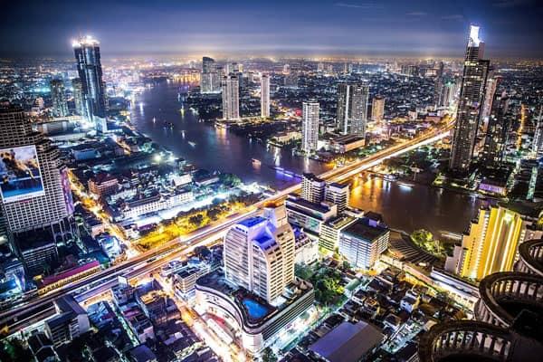 Una notturna della frenetica Bangkok
