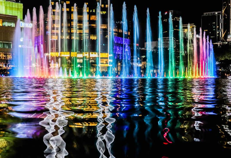 Coloratissime fontane a Kuala Lumpur