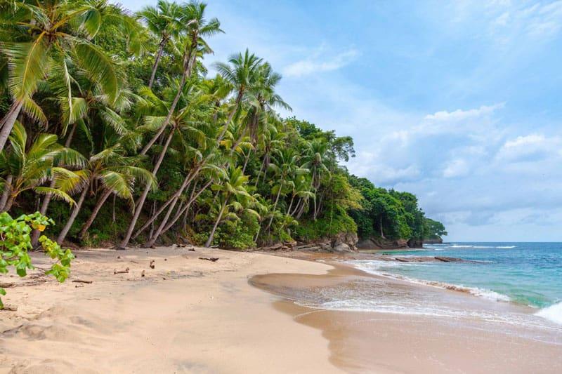 Le stupende spiagge di Isla Saboga