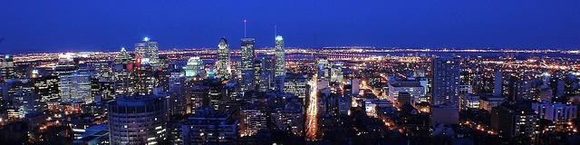 Skyline notturno Canada